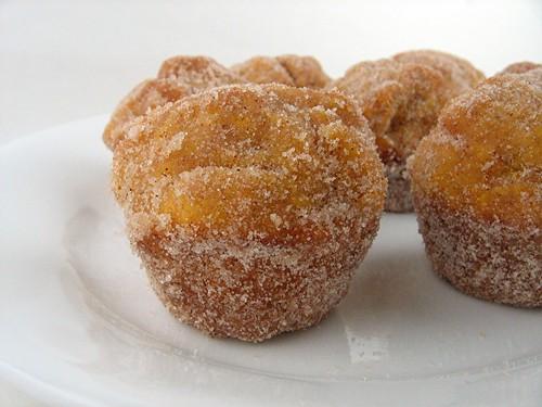 pumpkindonutmuffins_sugary