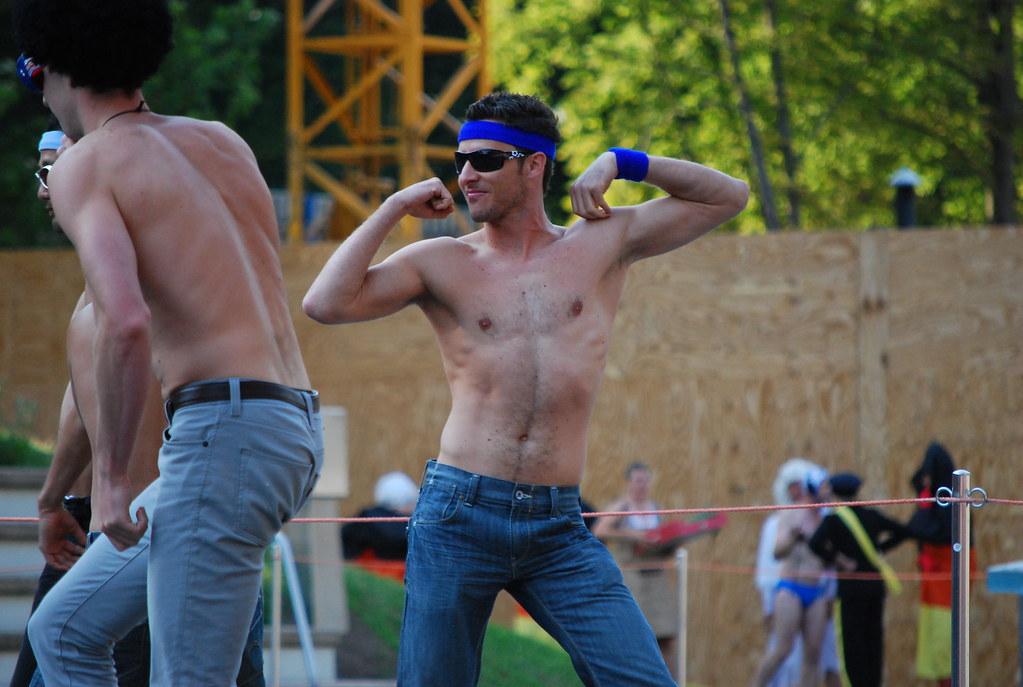 mann in frauenklamotten gay boys münchen