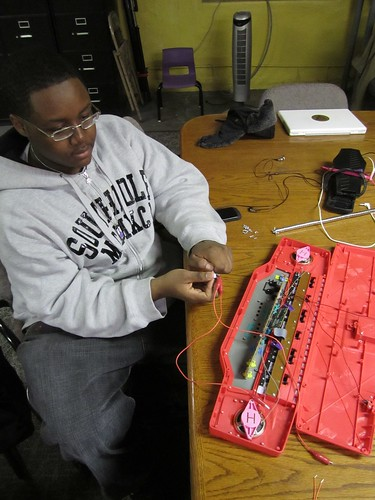 "Donell circuit bending a toy keyboard • <a style=""font-size:0.8em;"" href=""http://www.flickr.com/photos/52992303@N05/5476813773/"" target=""_blank"">View on Flickr</a>"