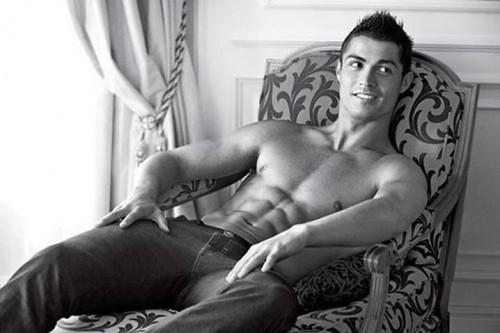 cristiano ronaldo armani advert. Cristiano-Ronaldo-Armani-Fall-