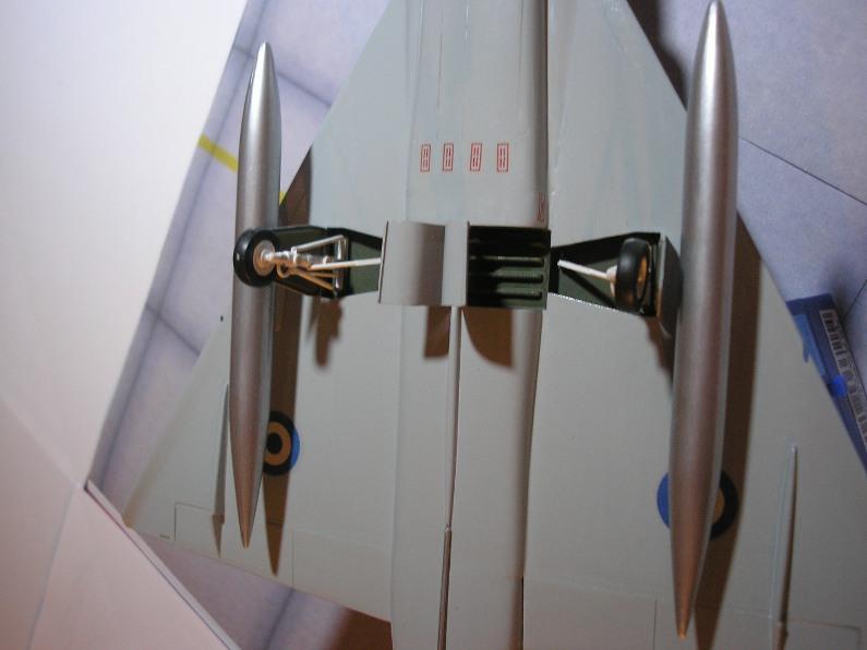 Les deltas Hellènes [ Convair F-106 Delta Dart Hasegawa 1/72 ] 5497583125_5029c0a311_o