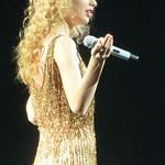 Taylor Swift 03 - Live in Paris - 2011 thumbnail