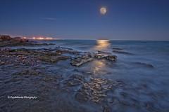 Llum de Lluna-18 de Marzo (Pepelahuerta) Tags: sea paisajes valencia mar mediterraneo raw luna cielos atardeceres reflejos canon1022mm sagunto dng puol leefilters canon40d concordians ultraangulares pepelahuerta