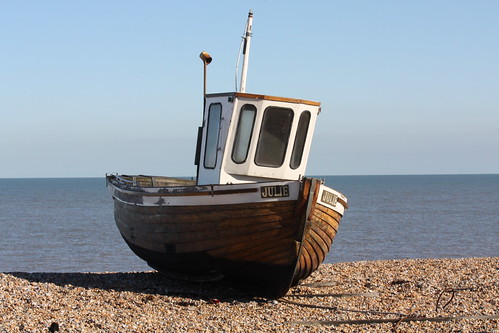 beach boat wooden kent fishing julie deal minimalist canoneos450d