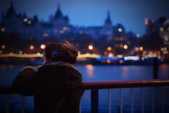 Melancholy (...Celicia...) Tags: city uk london girl night river 50mm nikon bokeh fiume luci melancholy londra notte ragazza tamigi d80