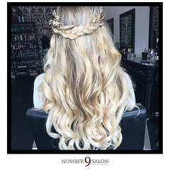 "Boho bridal hair, created by stylist, Jessie; it's wedding season, and we offer bridal hair and makeup, for brides and their maids! #DTSP #tampabay #boho #weddinghair • <a style=""font-size:0.8em;"" href=""http://www.flickr.com/photos/41394475@N04/29937021452/"" target=""_blank"">View on Flickr</a>"