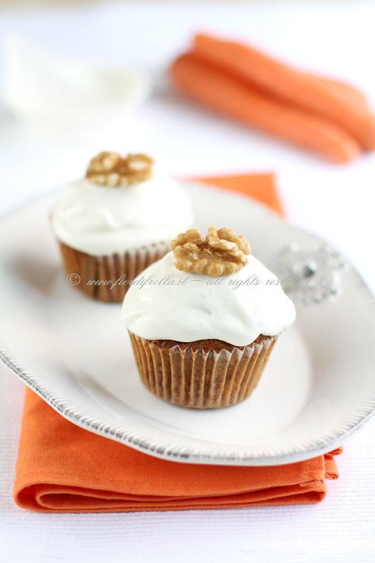 Cupcakes alla carota, mela e noci