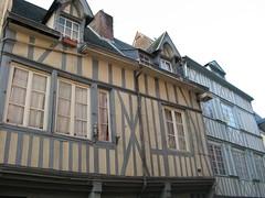 rue Beffroi 048 (christine.petitjean) Tags: rouen normandie colombages maisonspansdebois