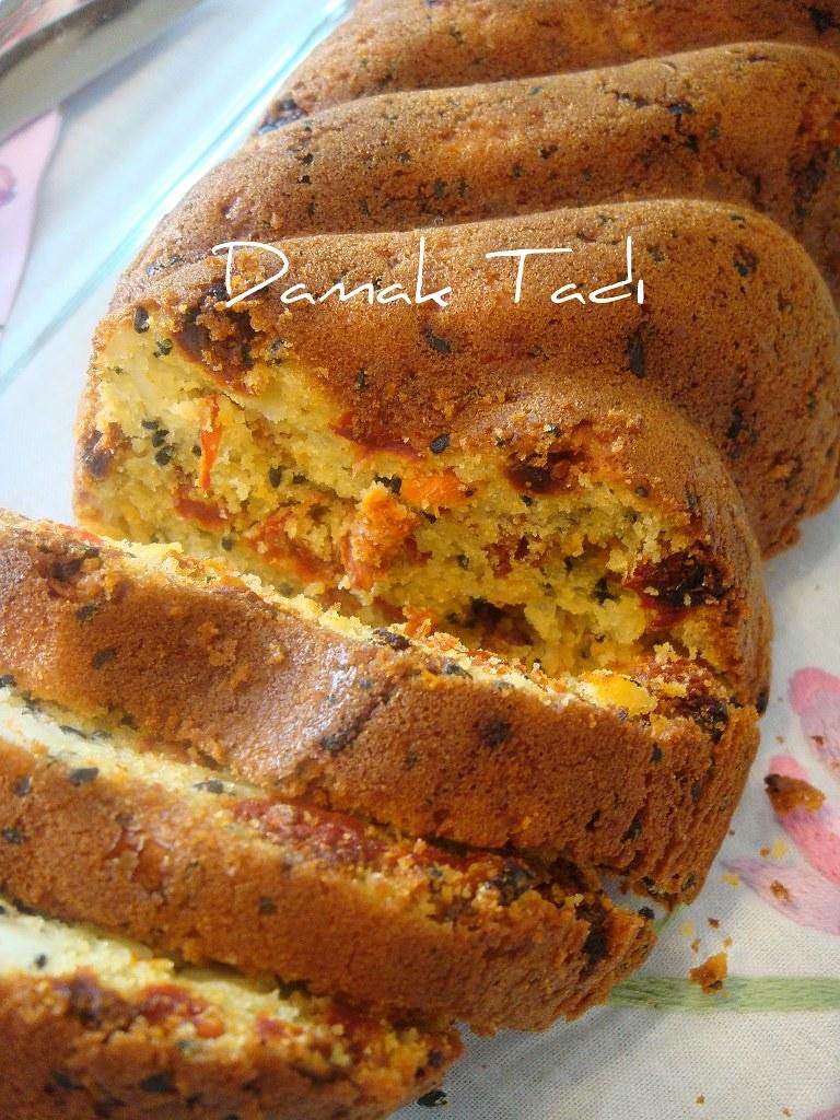 Domates kurulu ekmek