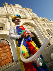 clown at the church (alan benchoam) Tags: color sexy church atardecer happy funny colorfull guatemala clown ballon diagonal payaso colorido travelphoto vejiga alanbenchoambenchoam