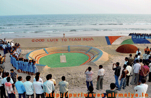 World's longest sand cricket bat on Puri beach – Sand Art By Sudarshan Pattnaik