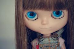 Lana  (Bruna Lacrout ) Tags: cute lana bigeyes doll blueeyes plastic blythe brunette bangs custom ugc cuthair rbl urbancowgirl carvedlips sonya230 ttyajeans