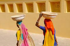 Jaipur women (Irene Stylianou) Tags: india colors digital nikon women indian photojournalism tradition nikkor dslr nikondigital jaipur rajasthan amberfort d300 nikoncamera indianwomen travelphotography vr2 nikkor18200mm indiantradition nikond300 irenestylianou jaipurwomen nikkorzoomlens18200mmf3556