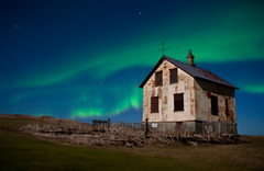 Abandoned House with Aurora Borealis (agustago) Tags: old sky house nature night iceland haunted aurora abandonedhouse sland reykjanes auroraborealis northenlights leira norurljs hlmur agustago