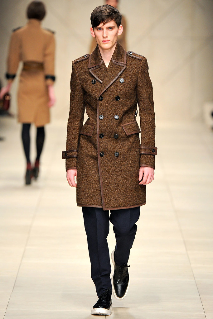 FW11_London_Burberry Prorsum Women's004_Sebastian Brice(VOGUEcom)