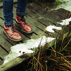 (miriam dobson) Tags: bridge snow cold square shoes legs boots peakdistrict jeans denim drmartens docmartens canon400d