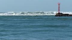 La Barre d'Etel (PatMargat) Tags: mer france bretagne vagues francia morbihan etel balise labarredetel
