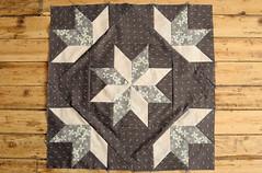 Quilt Sampler 2 : Flash of Diamonds (the workroom) Tags: start star patchwork hopevalley eightpointedstar lecien samplerquilt theworkroom quiltingclass quiltsampler2 flashofdiamonds