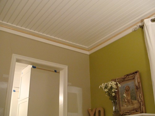 Living Room Ceiling Trim Is Installed Needs Paint A