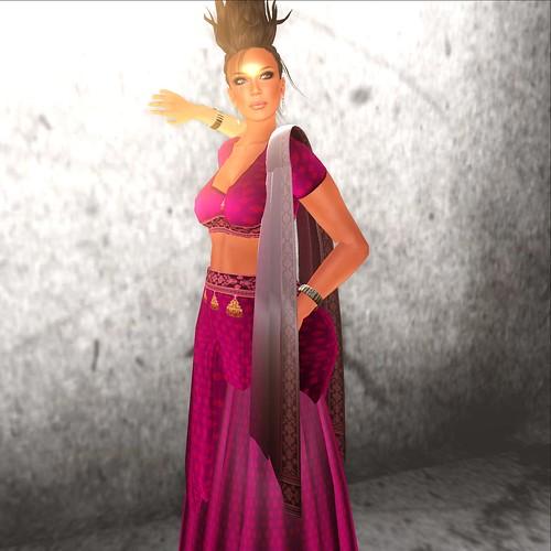 Moolto Hunt: dThea Shekhawati Pink Sari