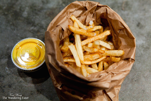 Fries with saffron aioli