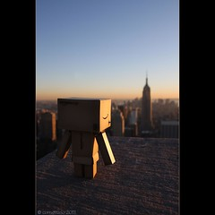 Danbo @ Top of the Rock (cornettino) Tags: nyc newyorkcity sunset ny newyork toy manhattan rockefellercenter empirestatebuilding topoftherock danbo danboard