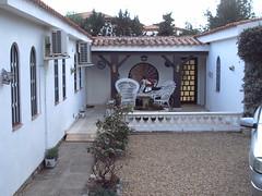 Gran chalet independiente de 872 m2. En su inmobiliaria Asegil en Benidorm le ayudaremos sin compromiso. www.inmobiliariabenidorm.com