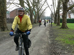 Nipping through Pitshanger Park (Kingston Cycling Campaign) Tags: bike cyclist kingstoncyclingcampaign