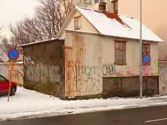 Rust Reds, Reykjavik P1030167 (mansionmedia simon knight) Tags: iceland reykjavik corrugatediron simonknight mansionmedia