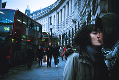 (thisisforlovers) Tags: street boy red building bus london girl calle rojo kiss chica center londres chico autobus beso