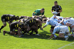 Crouch...touch...pause...engage (gasherbrum4bis) Tags: metro rugby top 14 du racing yves manoir rochelle colombes