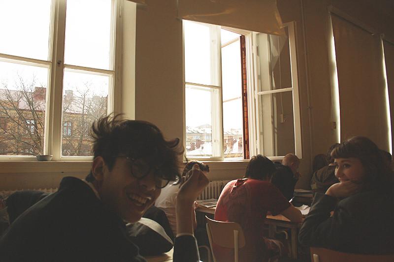 Lyckliga människor på den tråkigaste lektionen