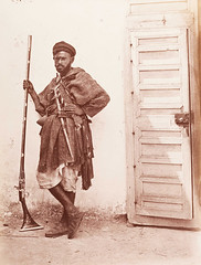 Moorich Soldier, Tangier, Morocco (Benbouzid) Tags: soldat maure moorich soldier guard garde tinja tangiers tangier tanger maroc morocco