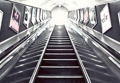 The Underground (MLB | PHOTOGRAPHY) Tags: old school light london underground metro escalator tube thecity oldschool step londres angleterre escalier marche thetube the theunderground automatique escalierroulant escalateur