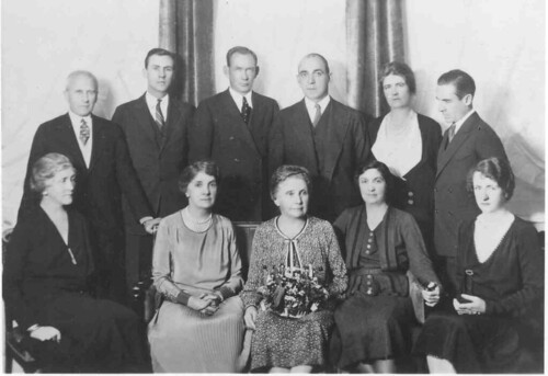 Acheson and Hawkins family photo, 1930