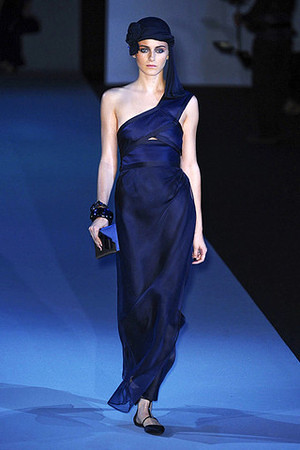 giorgio-armani-spring-2011-rtw-one-shoulder-gown-profile