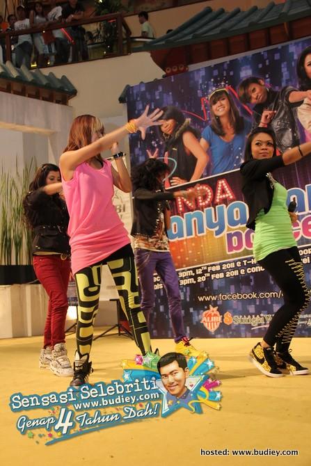 Dynda Dance Off