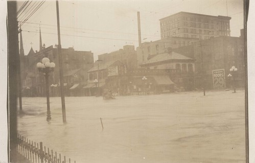 Ludlow and Fifth Streets, Dayton, OH - 1913 Flood