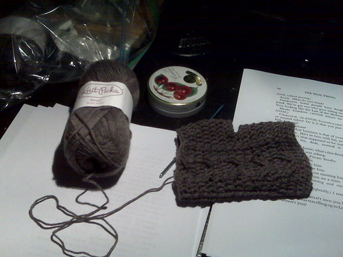 2011.Donna's.Basalt.Heather.Cable.Mitts.001