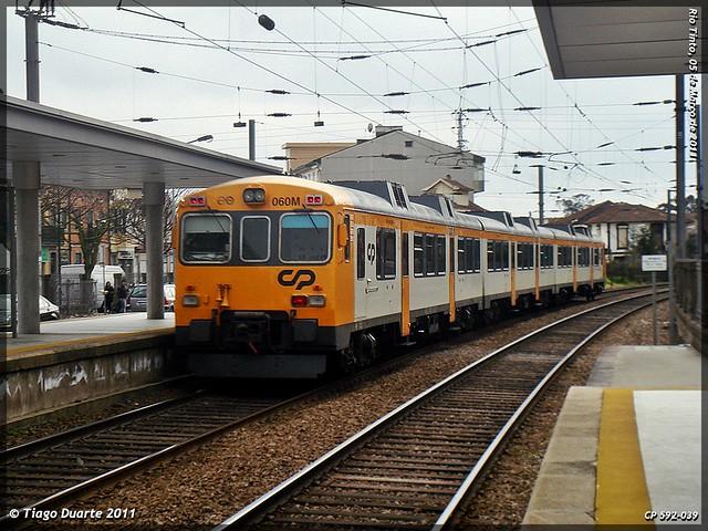 Série 592 (ex-RENFE) - Página 2 5507946214_a4b82fb7ec_z