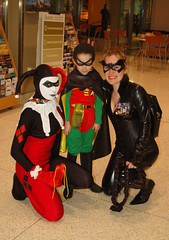 018 (Fearless Photoworks) Tags: costumes robin comics cosplay convention batman comiccon catwoman villains harleyquinn seattlewa eccc emeraldcitycomiccon eccc2011 emeraldcitycomiccon2011
