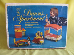 Dawn's Apartment by Amsco Toys (Retro Mama69) Tags: vintagetoys retrotoys childhoodtoys toppertoys dawnsapartment juguetesnrfb amscotoys toysmintcondition nrfbtoys dimestoretoys toysinpackage toysmadeinchina toysmadeinjapan