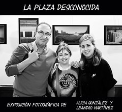 La plaza desconocida (Haciendo clack) Tags: blackandwhite espaa blancoynegro digital reflex spain europa europe alicia bn valladolid leandro exposicin castillaylen 2011 piluca haciendoclack mandoestelar leanmar1 canon50mmf14efusm jessgonzlez leandroma 5dmarkii canon5dmarkii laplazadesconocida