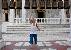 Ringing bells in Buddhist temple, Bangkok, Thailand (Eric Lafforgue) Tags: portrait people color colour face thailand temple kid jump asia bell outdoor bangkok capital tailandia thalande human asie capitale siam thailandia couleur cloche visage thailande   humain exterieur tayland   muangthai tajlandia photocouleur thaifld      thai5815
