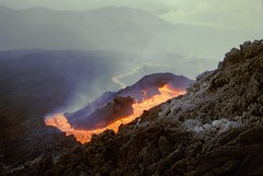 Back to the golden river of lava (etnaboris) Tags: 2001 italy hot volcano italia sicily etna eruption sicilia vulcano caldo lavaflow eruzione colatalavica southeastcrater summitcraters crateredisudest levantino craterisommitali millenniumfireworks