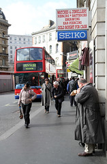 When Hunger Strikes (2E0MCA) Tags: street england people bus london candid victoria metroline canonefs1755mmf28isusm canoneos7d