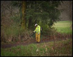 Worker (JSB PHOTOGRAPHS) Tags: park oregon lens nikon baker d2x nikkor alton autzen 18200mm eugen