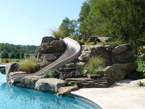 Luxury Swimming Pools With Waterfalls