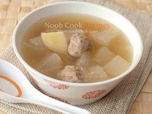 Winter melon with pork balls soup