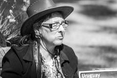 Uruguay (Alvimann) Tags: alvimann canon canoneos550d canon550d canoneos paople gente hat hats sombrero sombreros boina boinas glass glasses lente lentes blackandwhite black negro white blanco blancoynegro portrait retrato retratos portraits
